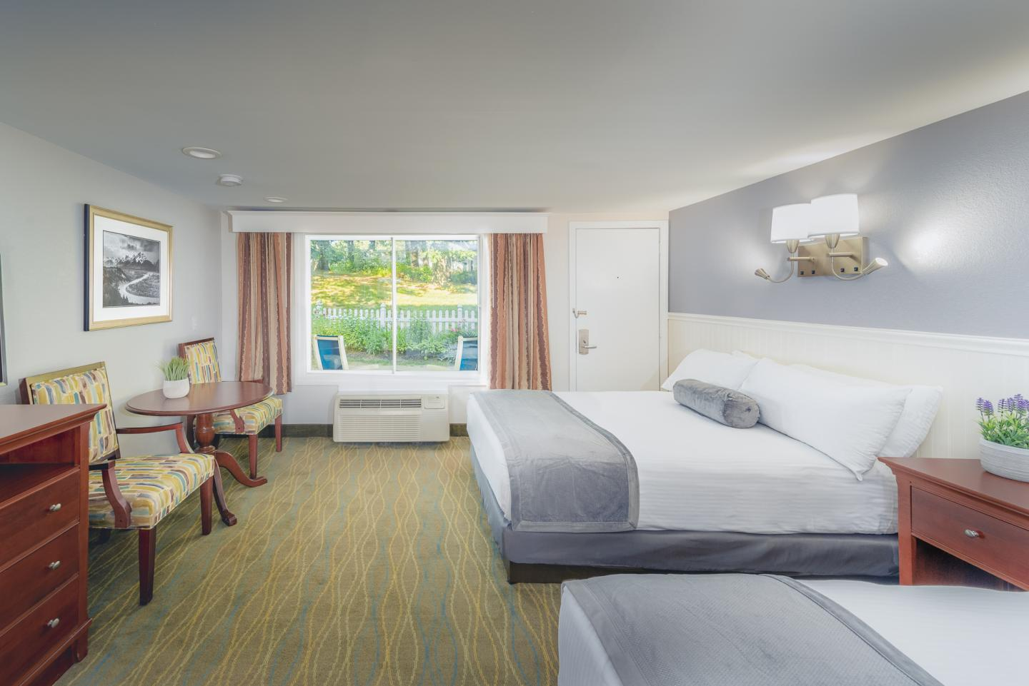 Picture of: Traditional Room Red Jacket Mountain View Resort